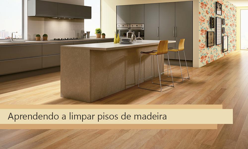 Limpando pisos de madeira